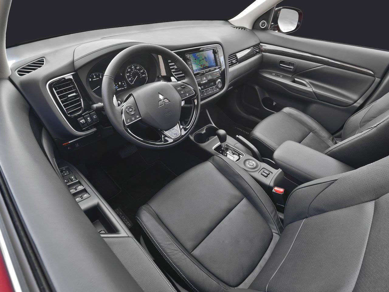 Mitsubishi Outlander Interior نمای داخلی میتسوبیشی اوتلندر