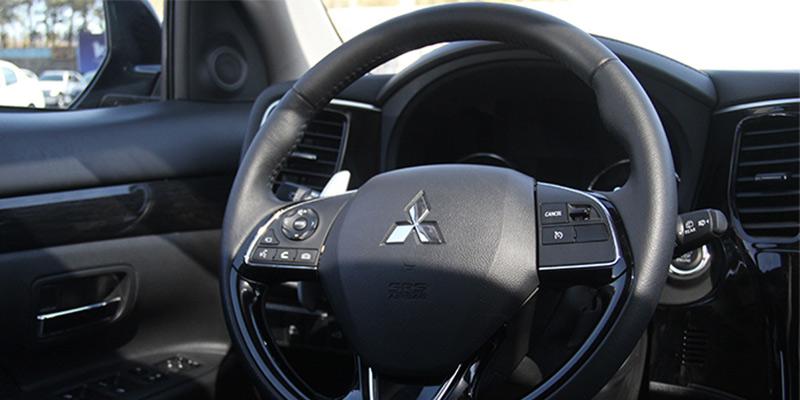 mitsubishi outlander interior نمای داخلی میتسوبیشی اوتلندر تیپ ۵