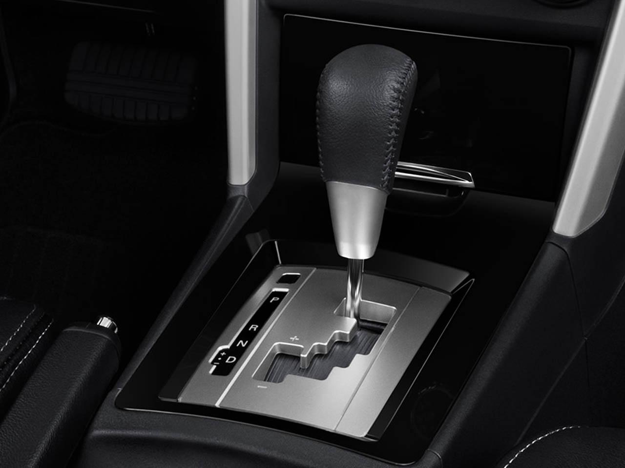 Mitsubishi Lancer Interior نمای داخلی میتسوبیشی لنسر